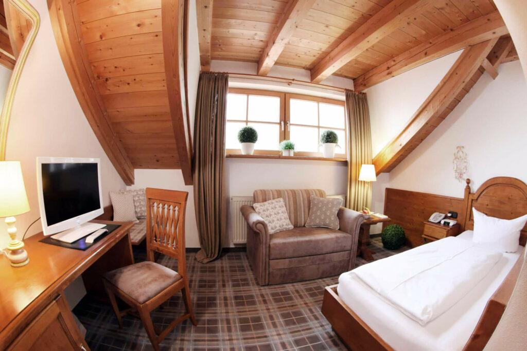 Economy single rooms
